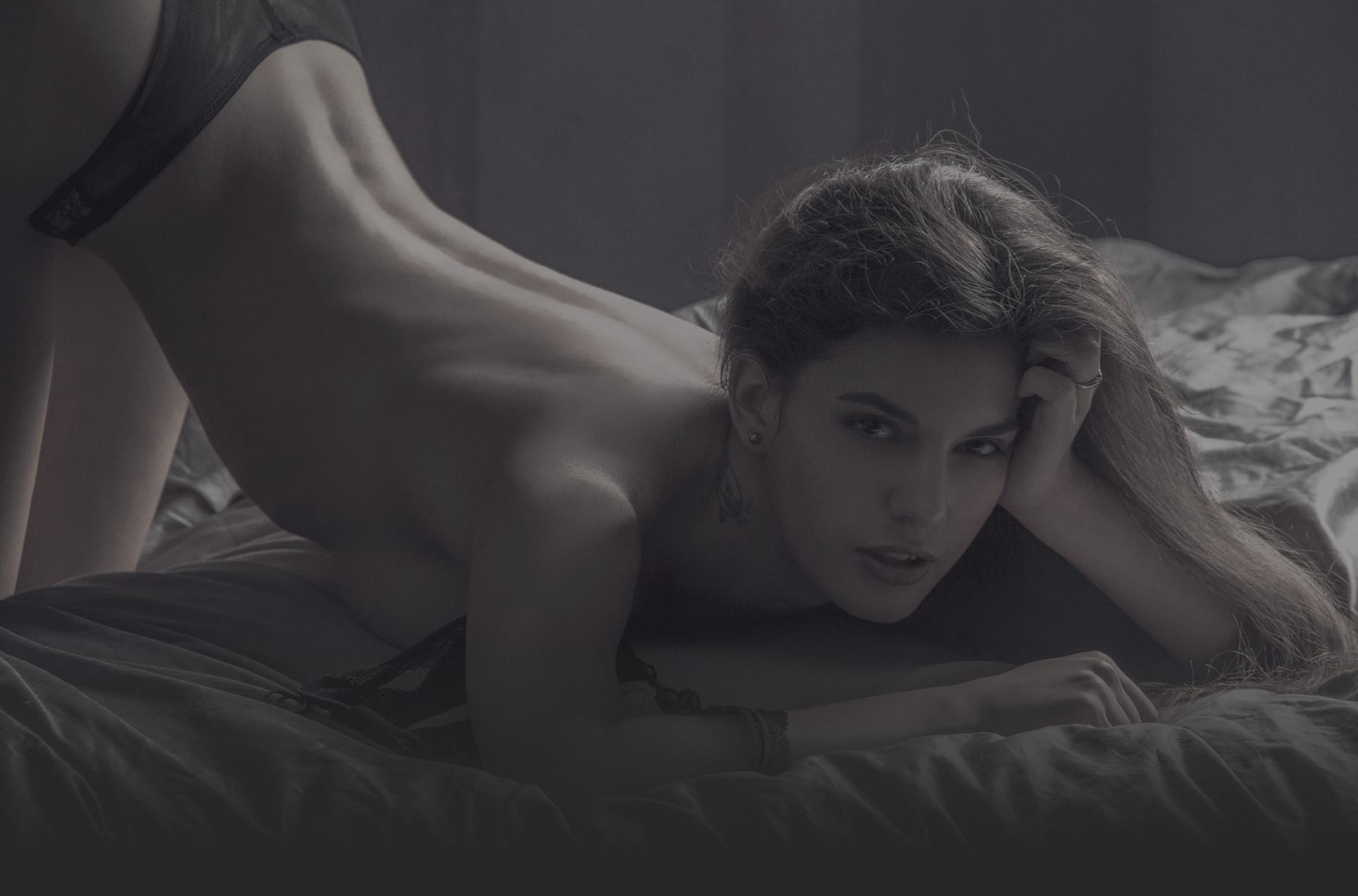 prace v erotice female agent cz
